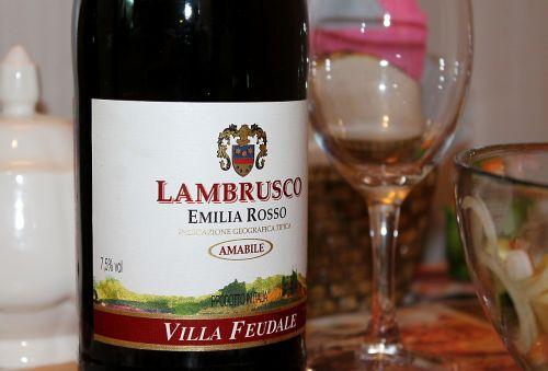 lambrusco wine sparkling