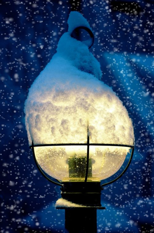 lamp lamppost snow
