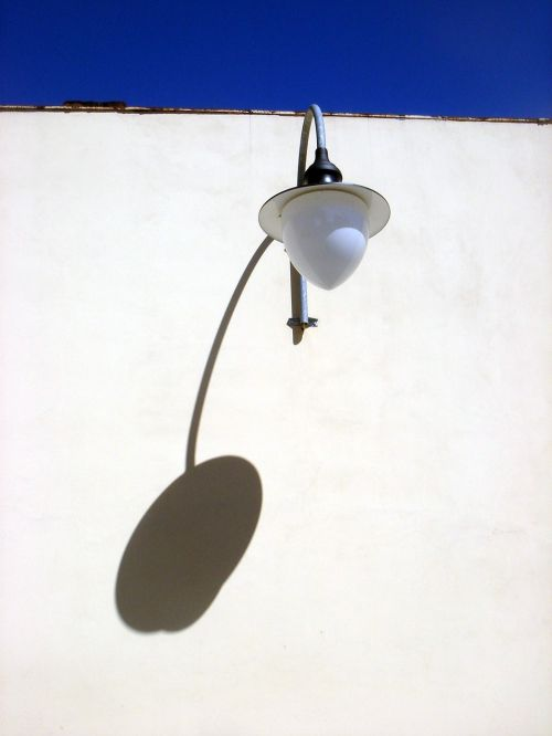 lamp light shadow