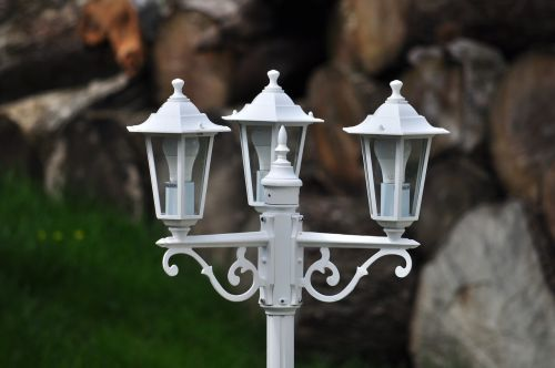 lamp post light outside