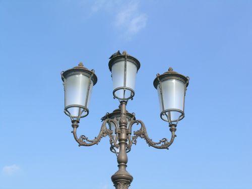 lamppost light lighting