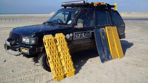 land rover,visureigė,papludimys
