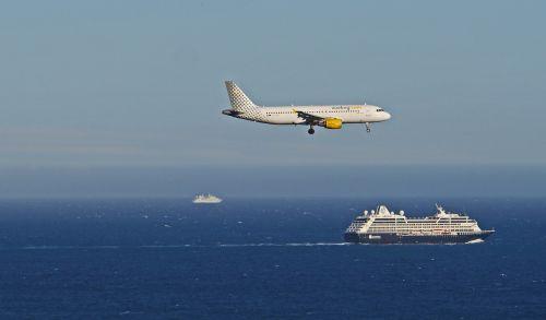 landing cruise ship mediterranean