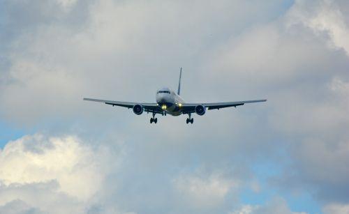 landing land jet