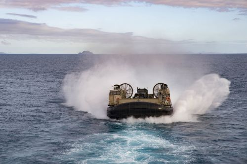 landing craft air cushion lcac usn united states navy