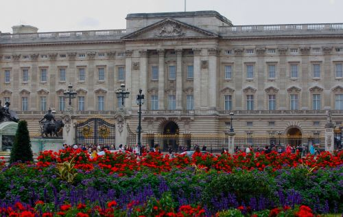 landmark royal palace royal seat