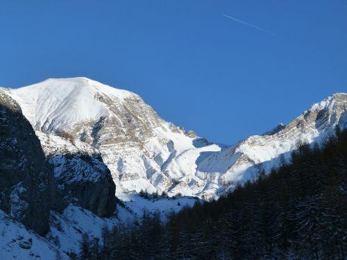 landscape mountain snowy
