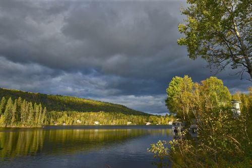 kraštovaizdis,kritimas,gamta,rudens kraštovaizdis,spalvos,medžiai,ežeras,vanduo,rudens lapai,dangus,miškas,kalnas,québec,Kanada