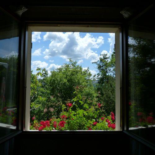 landscape window opening
