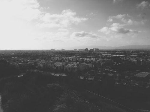 kraštovaizdis,miestas,Miestas,namai,pastatai,dangus,debesys,juoda ir balta