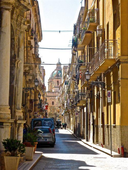 lane narrow alley