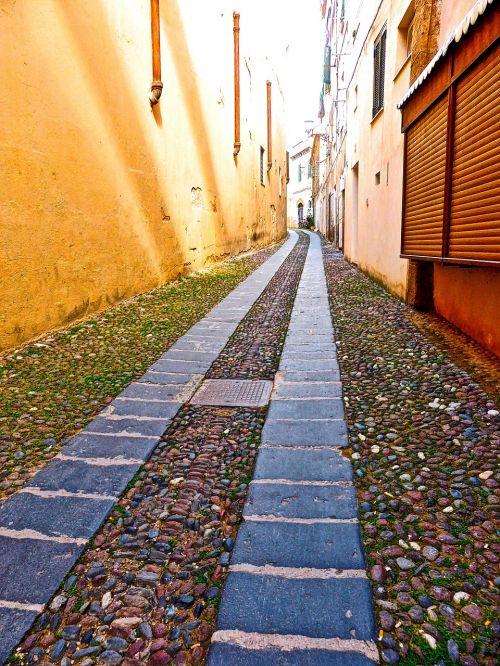 lane alghero narrow