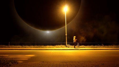 lantern moon bus stop