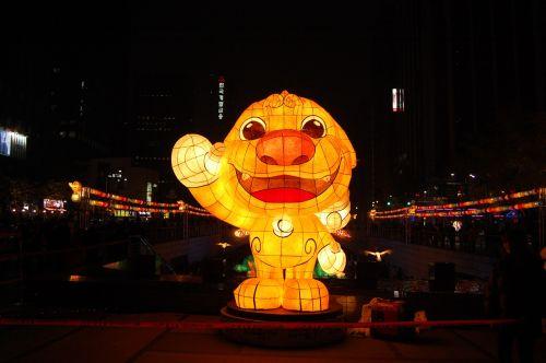 lantern cheonggyecheon stream isometric article