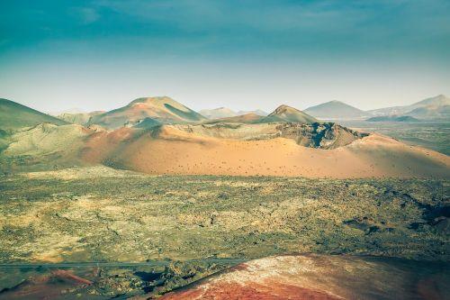 lanzarote fire mountains volcano