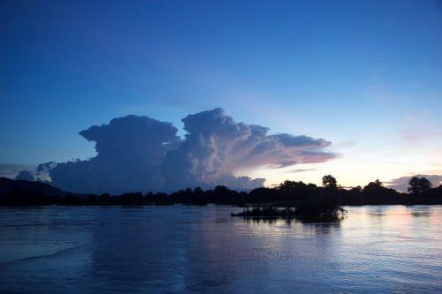 laos sunset the mekong river