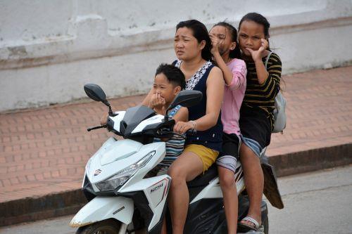 laos luang prabang scooter