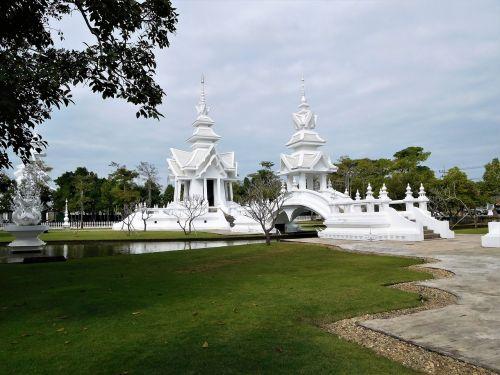 laos white temple