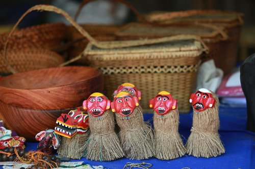 laos  market  crafts