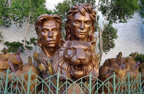 siegfried roy sculpture founder
