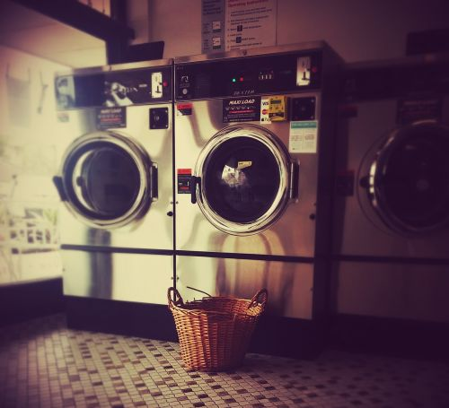 laundromat launderette washing