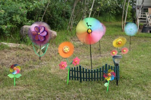 Lawn Ornaments Pinwheel Spinners