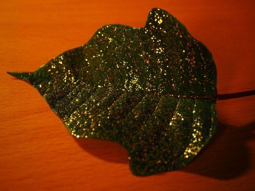 leaf gold gold dust