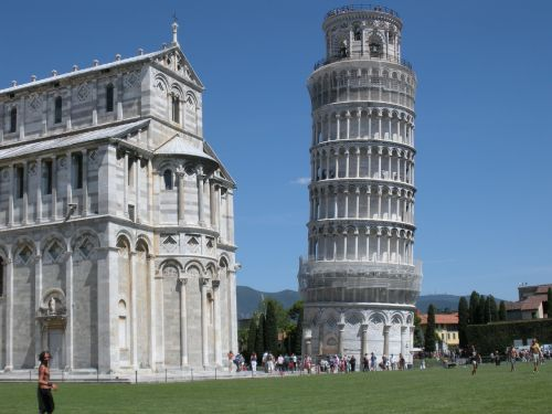 leaning tower of pisa cathedral italy