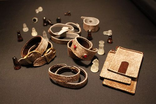 leather miscellaneous goods accessories