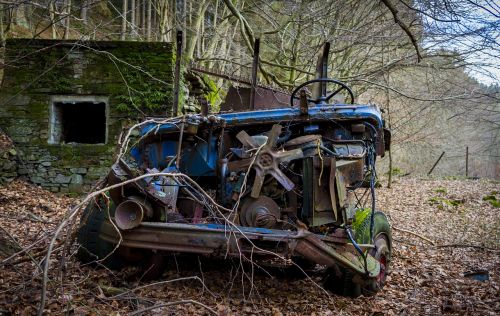 leave,broken,rusty,transport system,stainless,vehicle,machine,wreck,wheel,old,auto,old car,oldtimer,transporter,old vehicles,blue car,blue,vintage car automobile,vice,defect,vintage car front,mercedes,scrap,destroyed