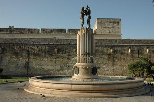 lecce fontana castle