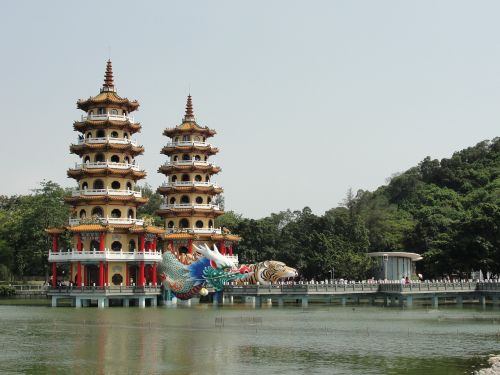 left camp lotus lake dragon tiger pagodas
