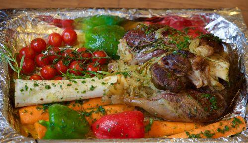 leg of lamb tjena-kitchen tomatoes