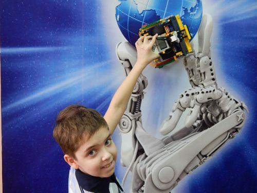 lego robot constructor