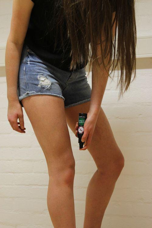legs girl incognito