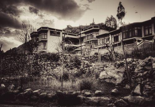 leh landscape house
