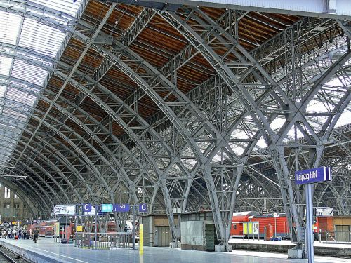leipzig hbf platform hall carrier
