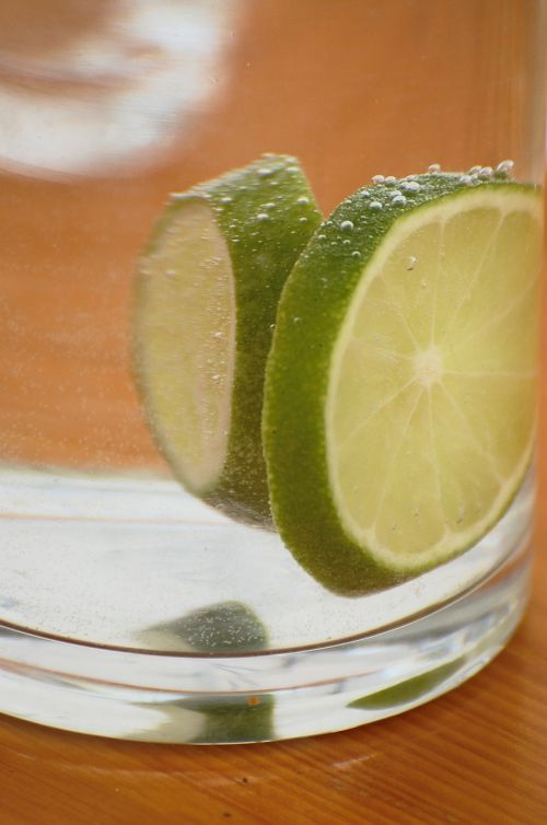 lemon glass mineral water