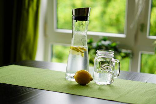 lemon water refreshment