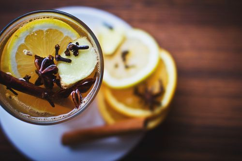 lemon drinks cinnamon
