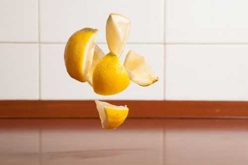 lemon slices fresh