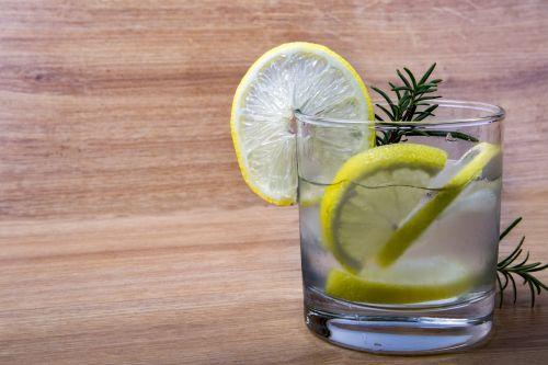 Lemonade With Fresh Lemon