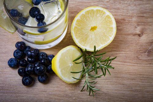 Lemonade With Lemon And Blueberries