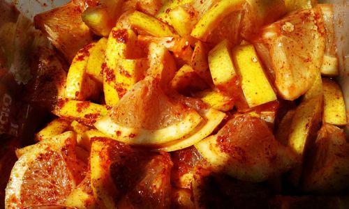 citrinos,citrusiniai,vaisiai,gabaliukai,Čili pipirai,milteliai,aštrus,karštas,prieskoniai,virimo,ingridientai,maisto produktai,rūgštus