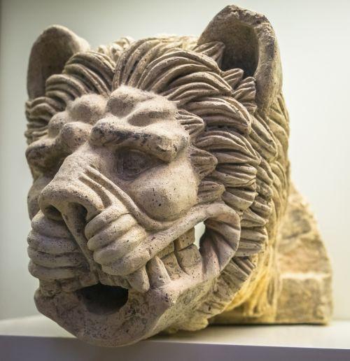 leo statue ancient greece
