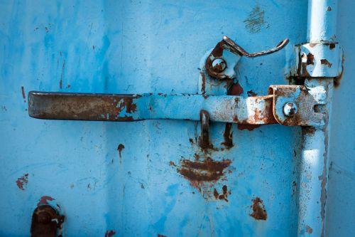 svirtis,metalas,rankena,durų rankena,rusted,durų rankena,Domkratas,montavimas,mėlynas,rusvas,nerūdijantis,įvestis,senas,transportas,konteineris
