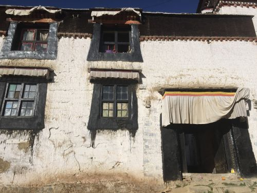 lhasa tibet buddhism