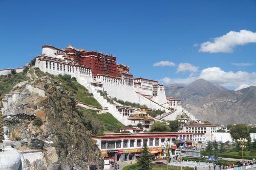lhasa the potala palace sunny days