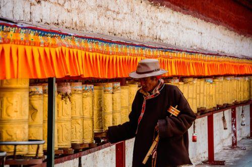 lhasa the potala palace prayer