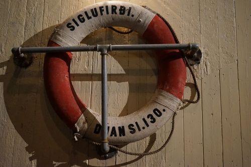 lifebelt boot rescue